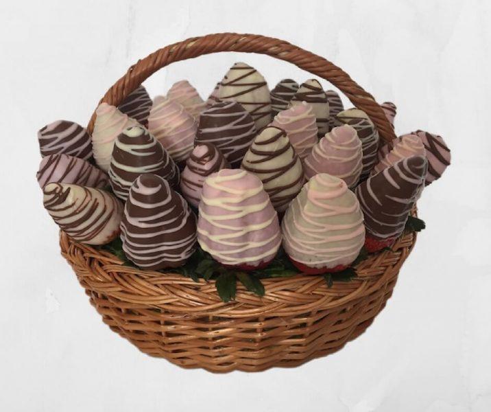 Canasta con Fresas de Chocolate