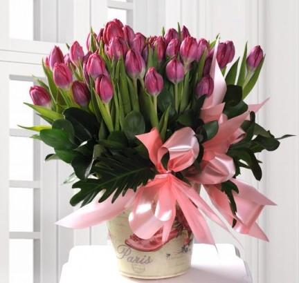 Arreglo Floral con 30 Tulipanes