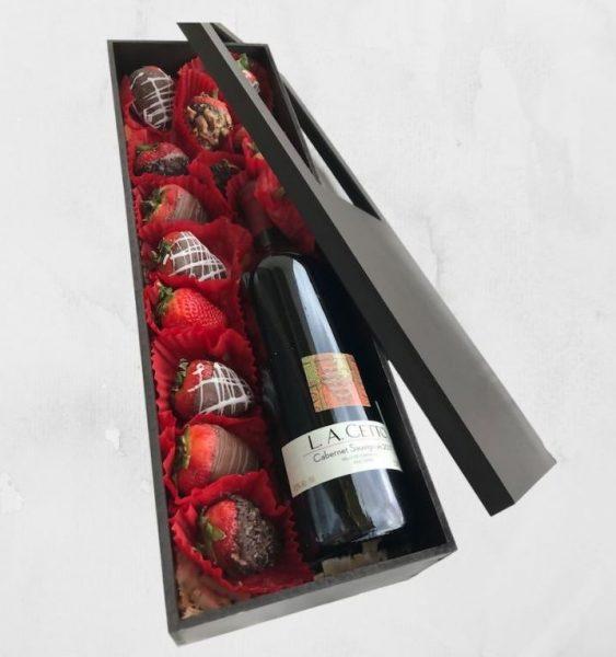 Caja con Fresas con Chocolate y Vino
